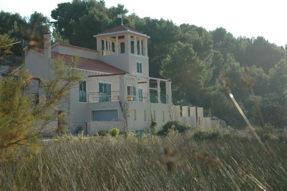 04-GR Private villa